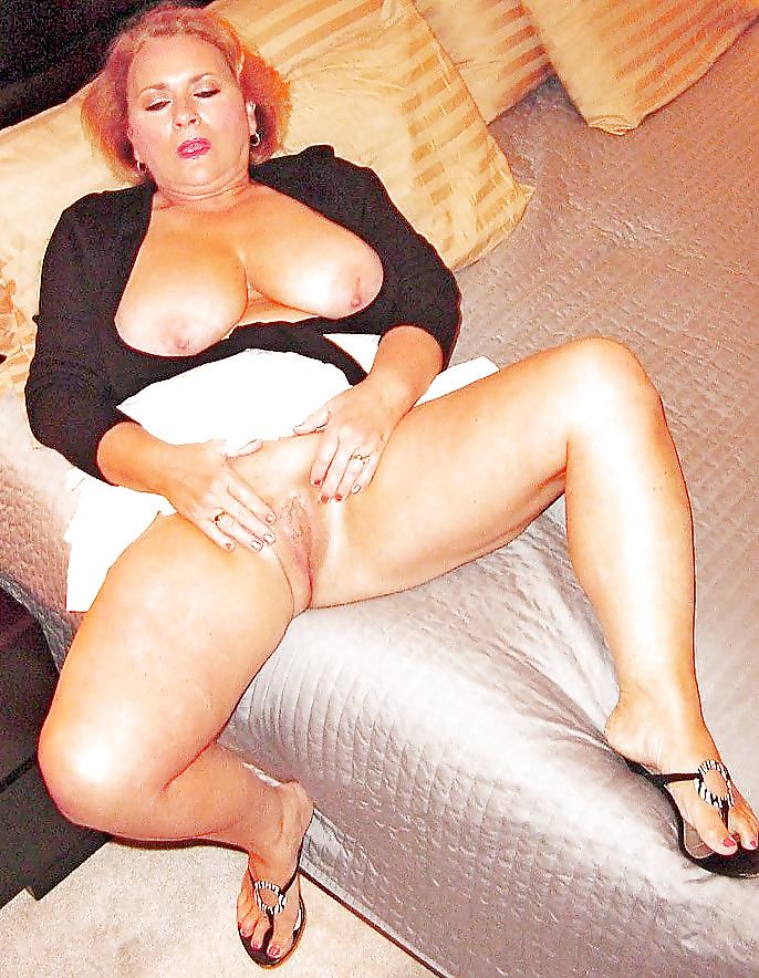 Reife Frauen mit kleinen und großen Titen in dem Sexbildern sex gratis ansehen - Bild 6