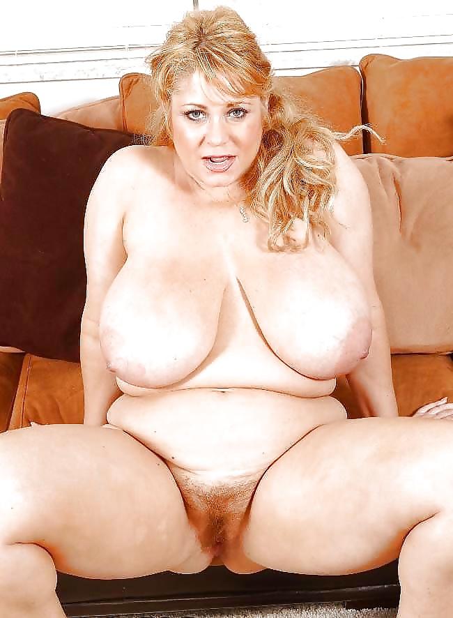 Reife Frauen mit kleinen und großen Titen in dem Sexbildern sex gratis ansehen - Bild 9