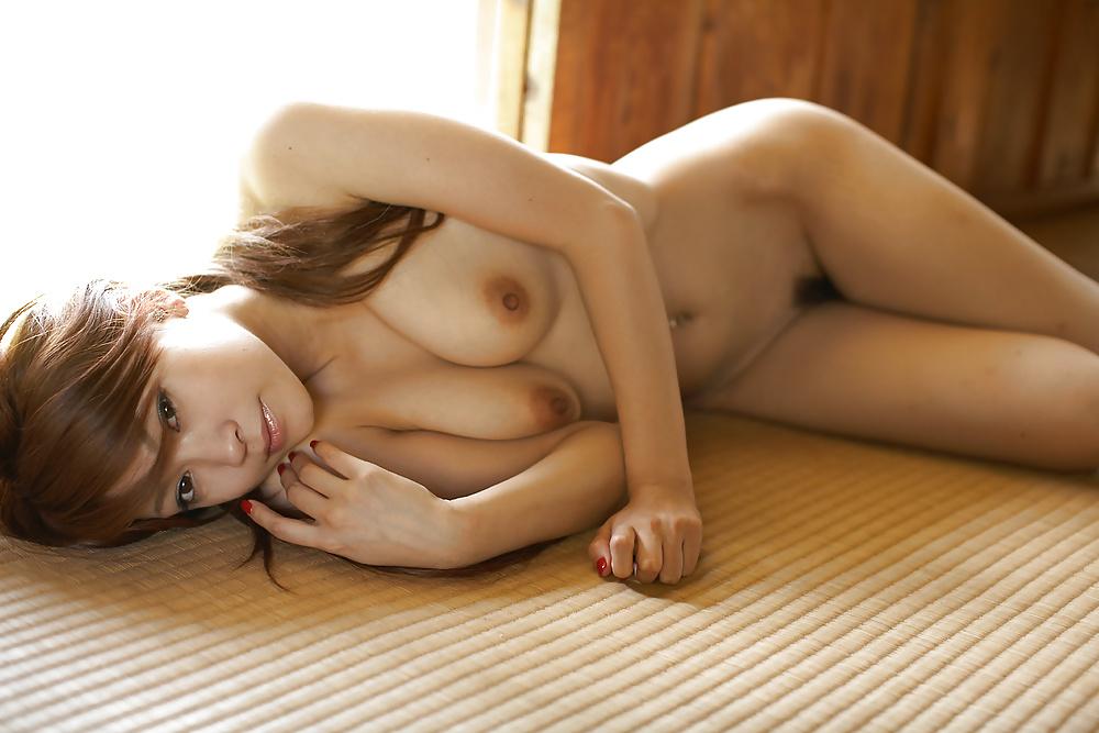 Schöne jugendliche Mädchen aus Japan in Nacktbildern - Bild 3