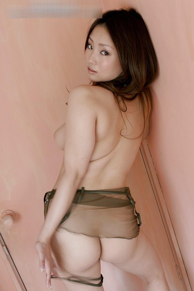 Rika Aiuchi mit grosse Titten haben aufrische Haut - Bild 5