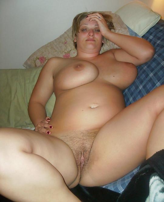 Forsches, grundes Mädchen mit sexy Körper - Bild 3
