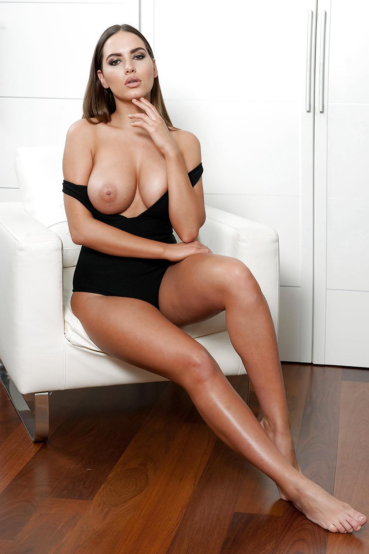 Nacktbildern von braune Küken