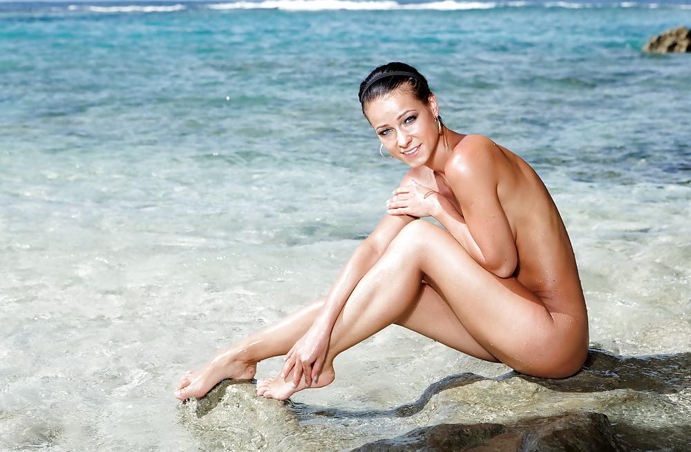 Egzotische Schönheiten in Bikini die verschidene kostenlose Bildern - Bild 6