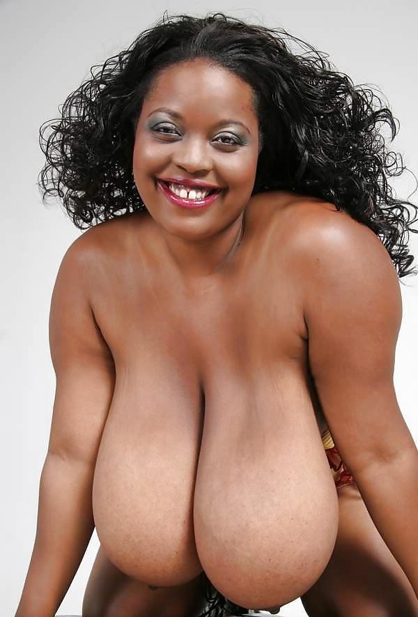 Mollige Frauen mit riesige Brüsten von Ebony - Bild 6