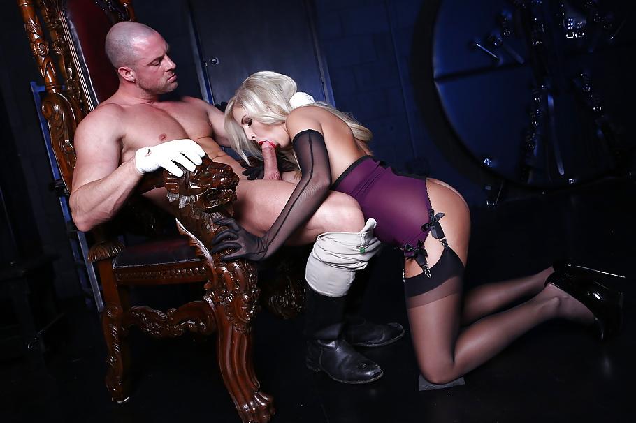 Blonde Pornoschauspielerin mit kleine Brüsten sexbilder fraun - Bild 9