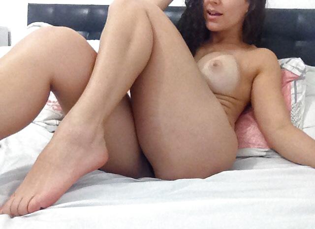 Amateure Brüste machen Aktselfie - Bild 8