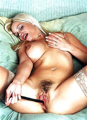 Posnostars aus Ausland in Acktbildern erotische frauen fotos