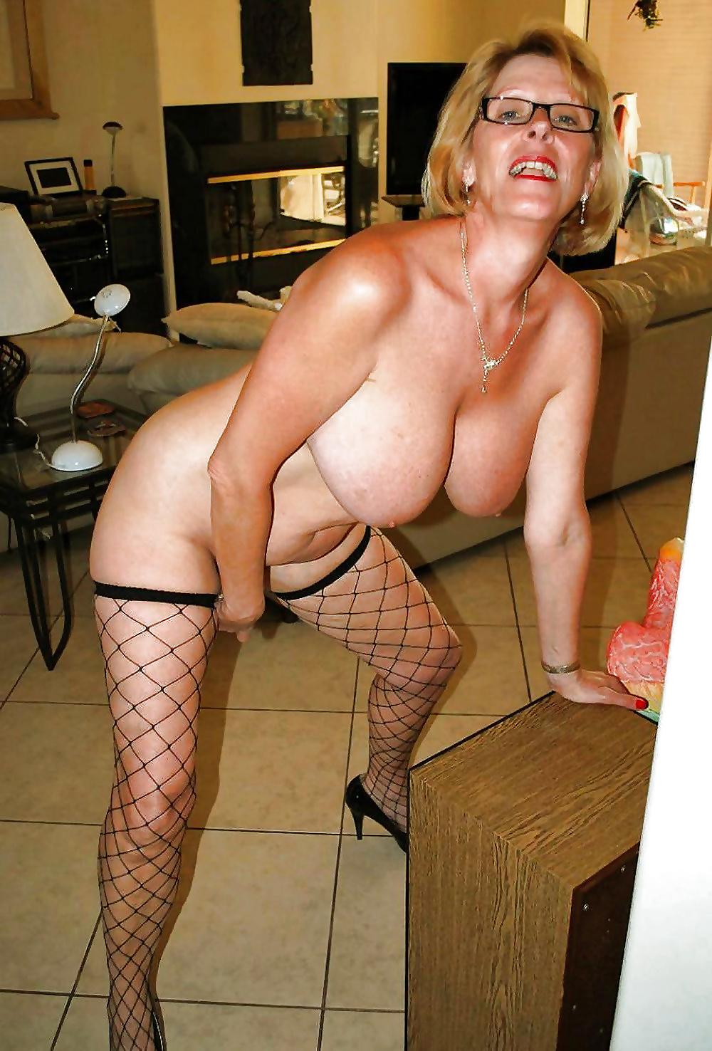 Prall Brüste von Blondienen und Brünetten, freie Bildern - Bild 6