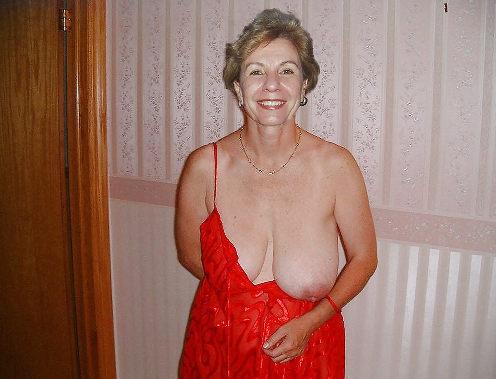 Reife Frauen zeigt die schöne Körperteile - Bild 5