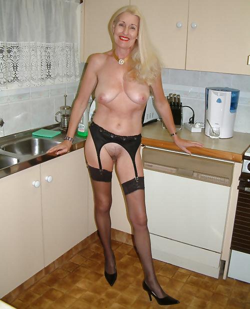 Reife Frauen zeigt die schöne Körperteile - Bild 6