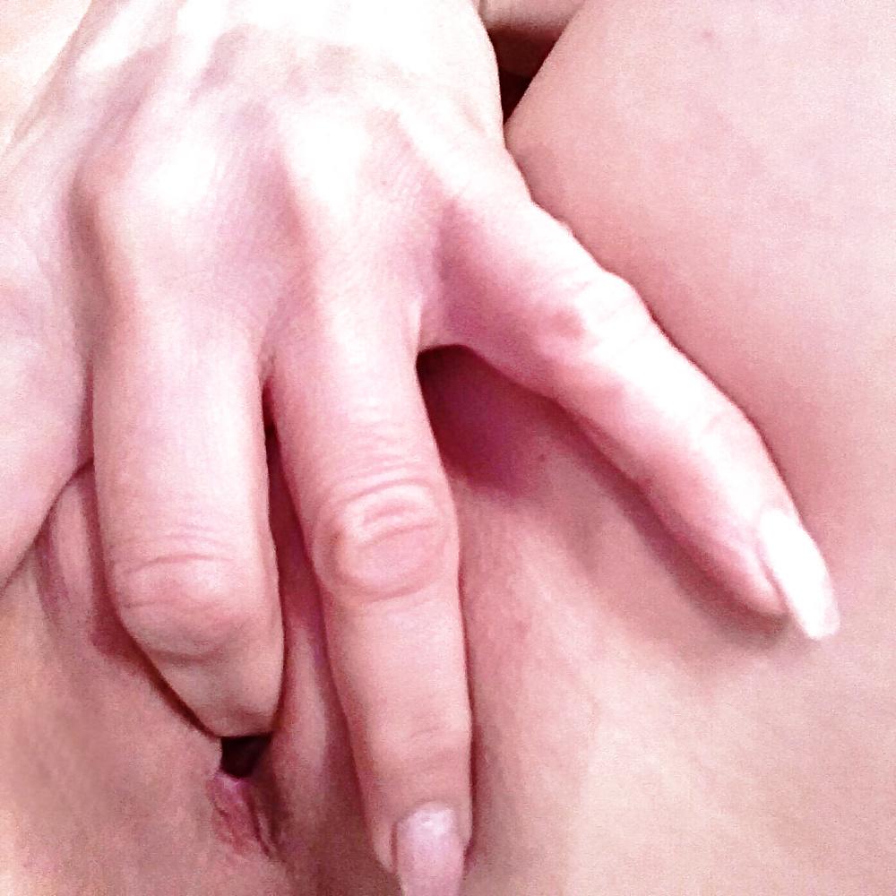 Masturbieren mit Finger in Fotos erotik bilder frauen - Bild 8
